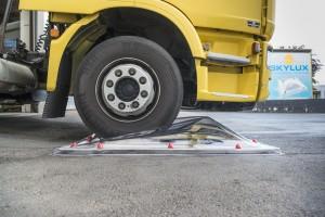 בדיקת שבירה משאית עולה על כיפה 3