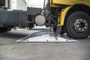 בדיקת שבירה משאית עולה על כיפה 4