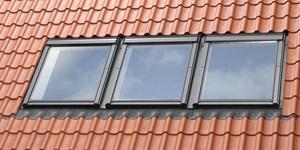 התקנה של חלונות גג צמודים