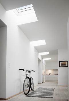 פיזור האור דרך הגג אל המרחבים הפנימיים