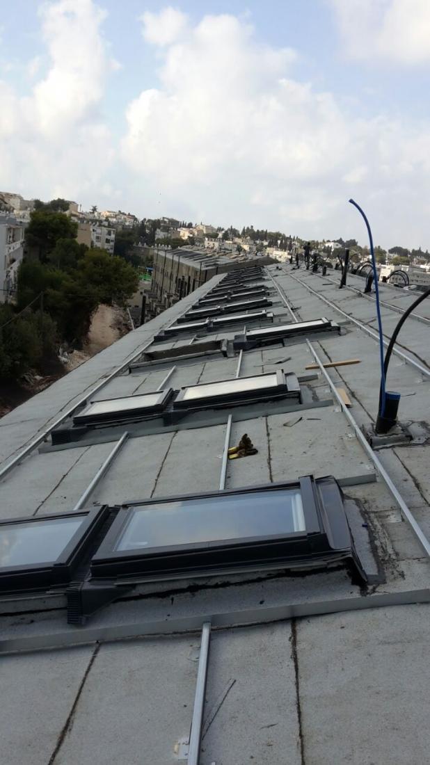 פרויקט חלונות הגג הגדול ביותר שנעשה בישראל - נווה שאנן